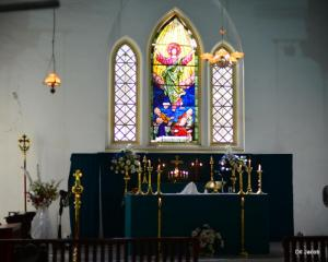 Alter and stain glass, St Johns